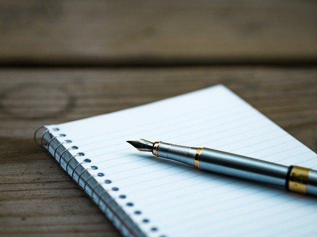 Nyakig benne az írásban